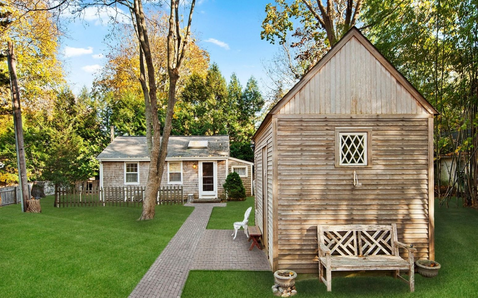 A Tiny Home for Kicking Back in The Hamptons - tiny house zillow