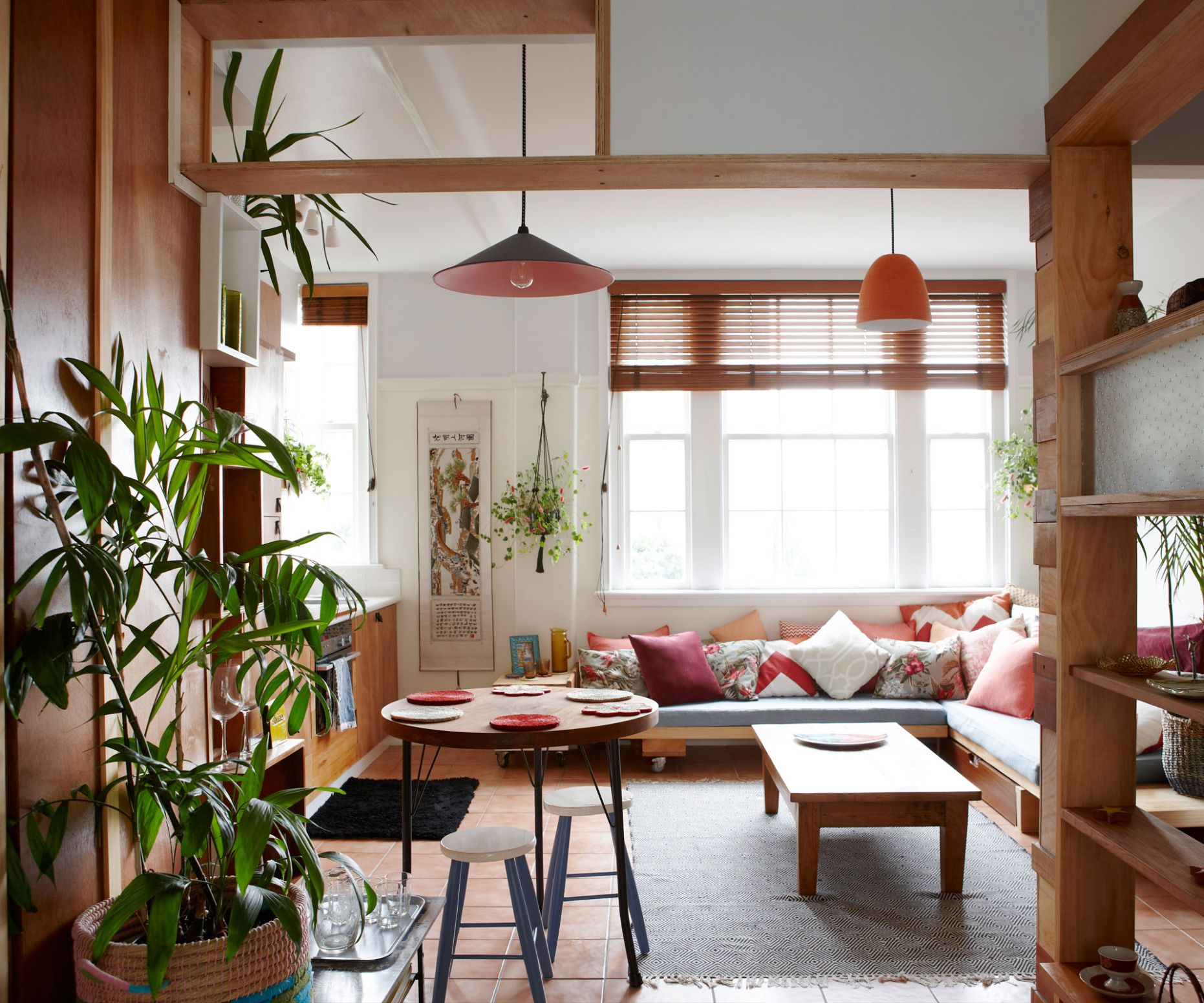 A tiny inner-city apartment gets a Japanese inspired makeover on a ..