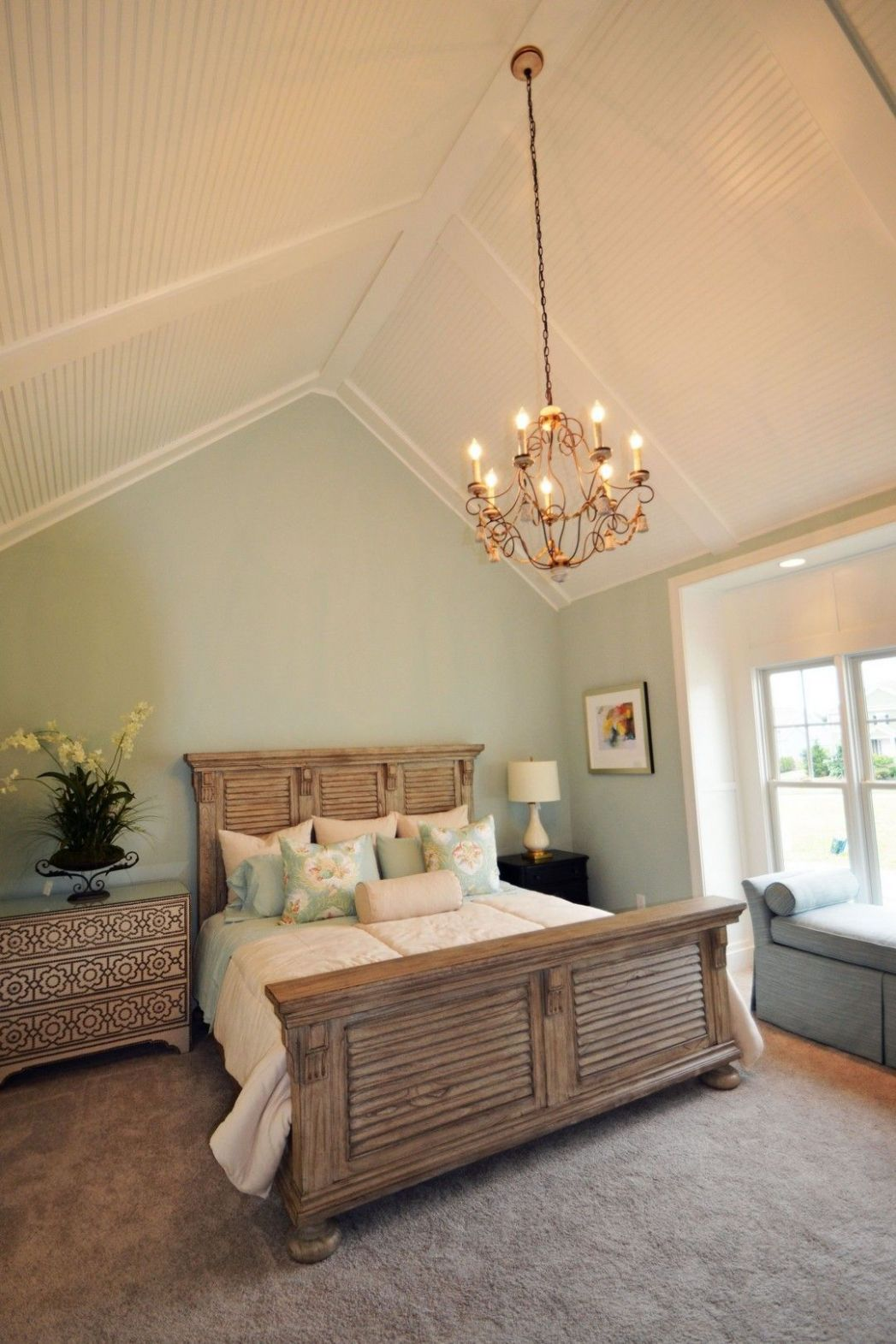 Aesthetic Master Bedroom with Lighting Fixture Ideas | Vaulted ...