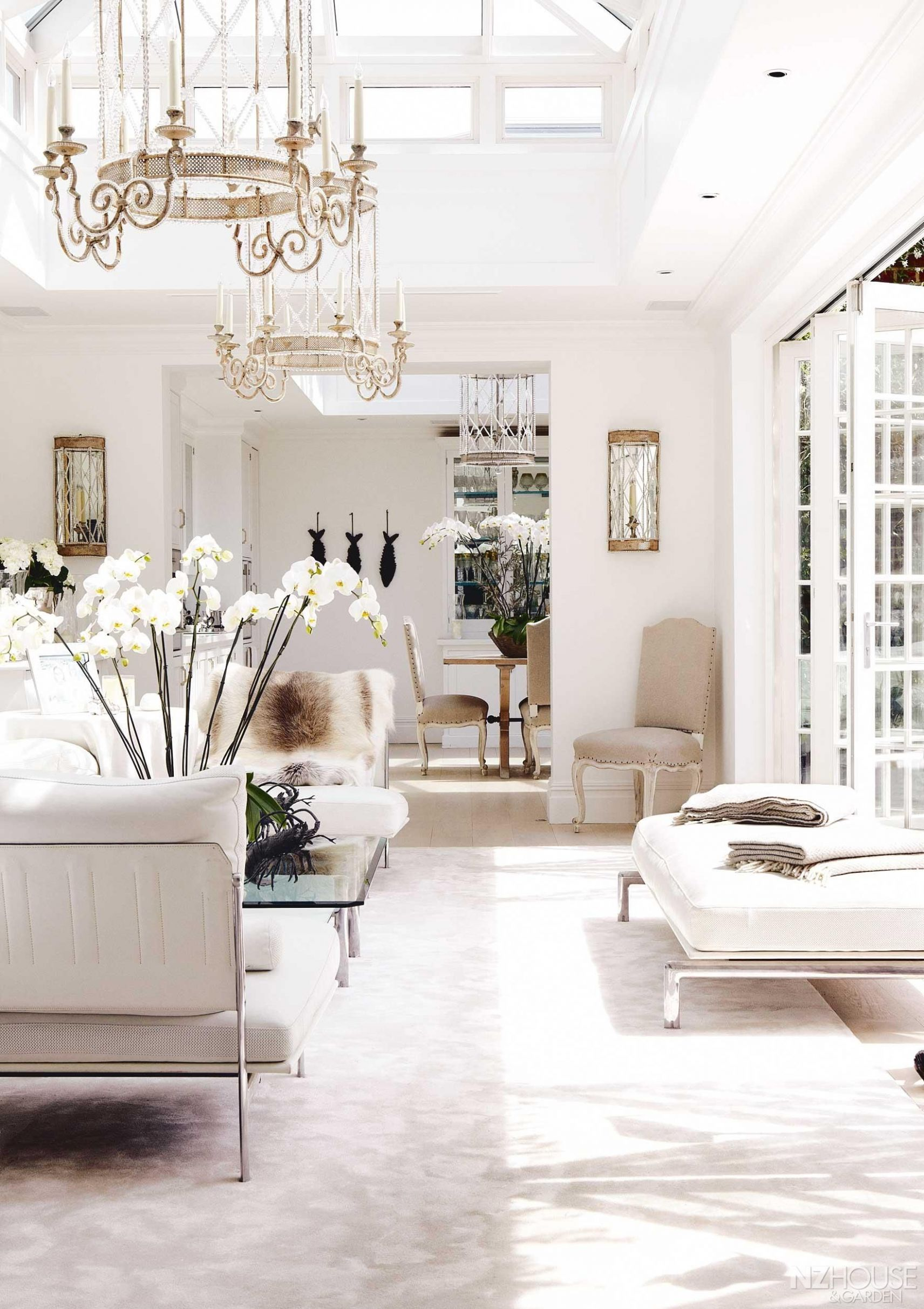 An all-white London Mansion - NZ House and Garden | Interior, Home ...
