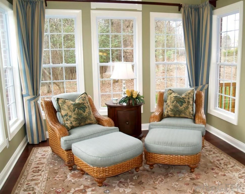 Appealing Sunroom Design Idea in Small Space with Rattan Arm Chair ..