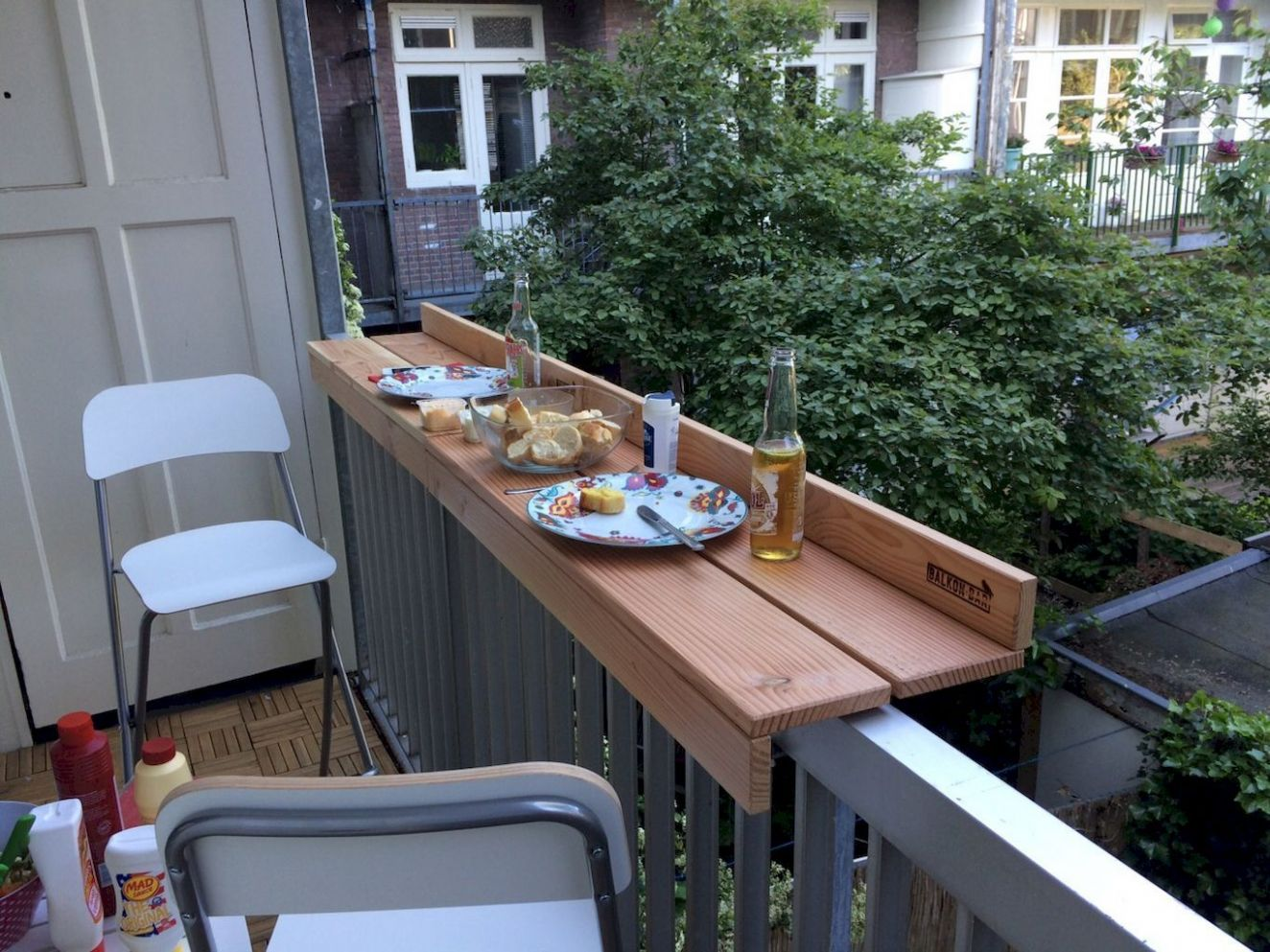 Awesome 8 Affordable Small Apartment Balcony Decor Ideas on A ..