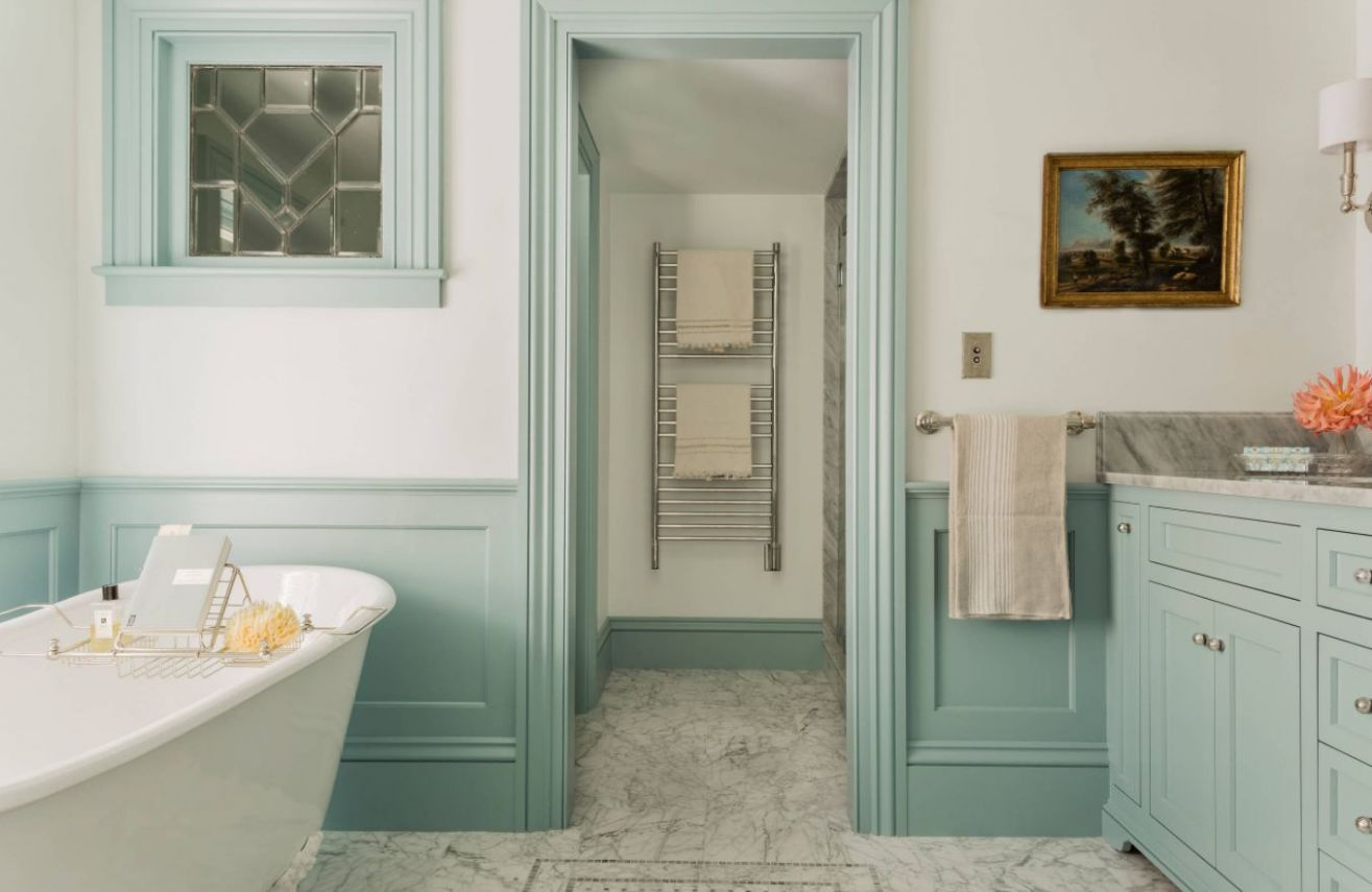 Bathroom Wainscoting – What It Is And How To Use It ...