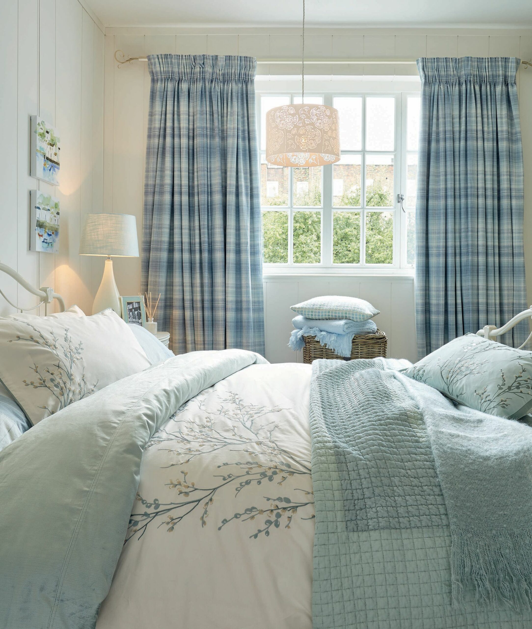 Bedroom Ideas To Fall In Love With - bedroom ideas laura ashley