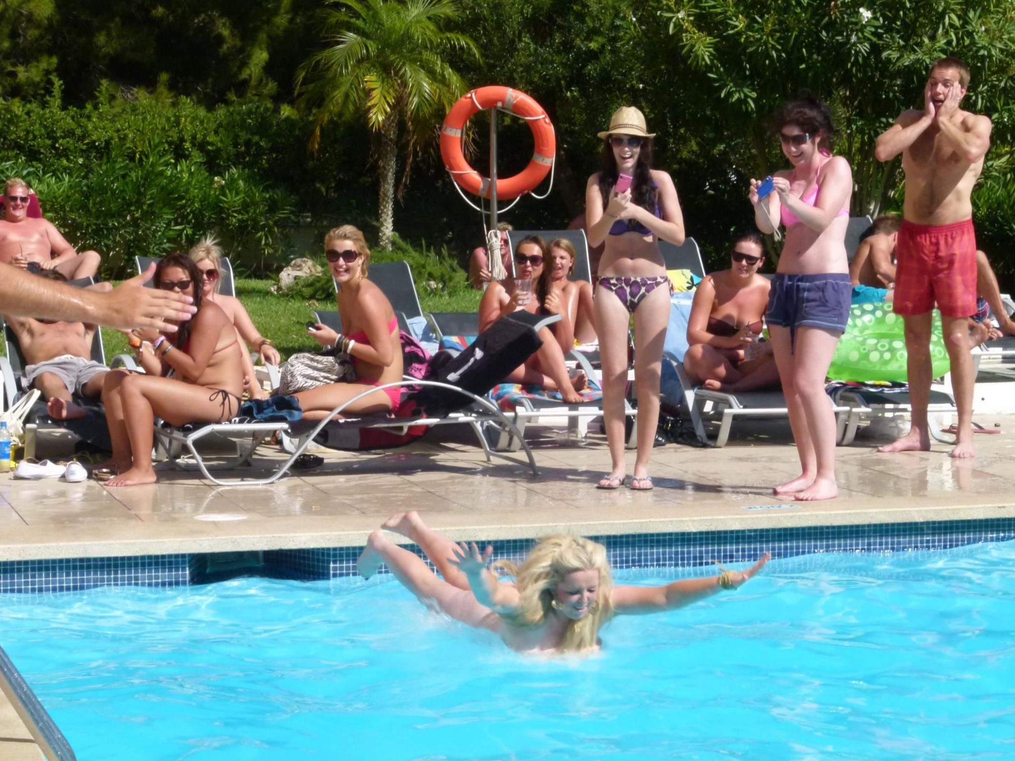 Best pool jump of the day! :) Hotel Vistasol, Magalluf, Palma de ..