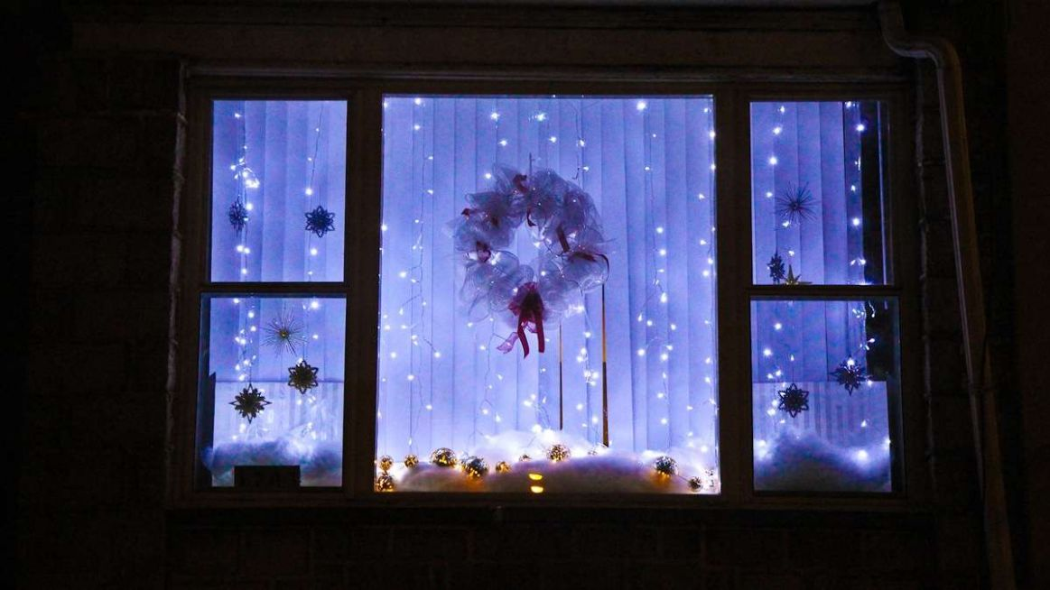 Best Window Lights Decoration Ideas for Christmas - The ...