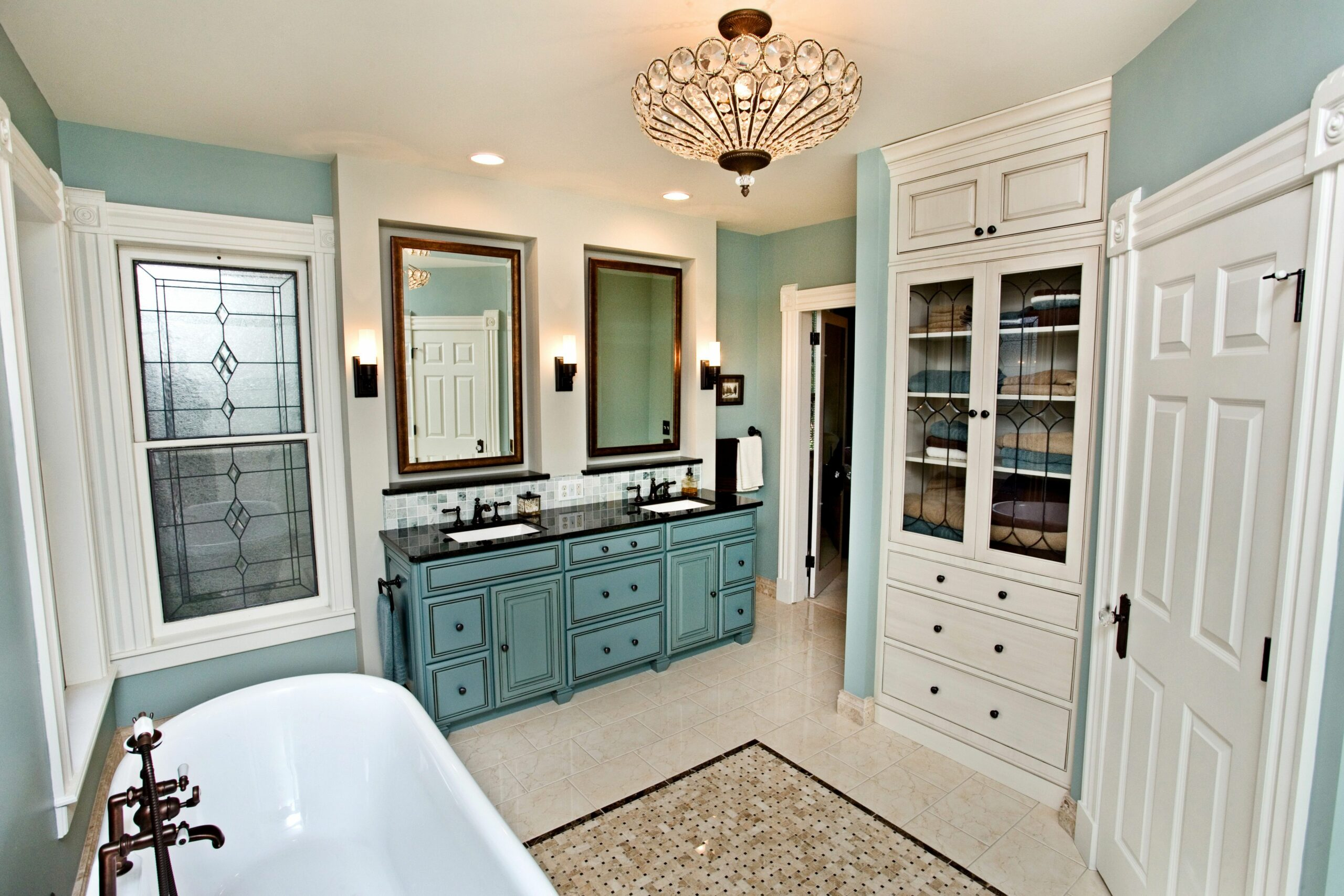 Big couples bathroom with bathtub and shower. #BathroomIdeas ..