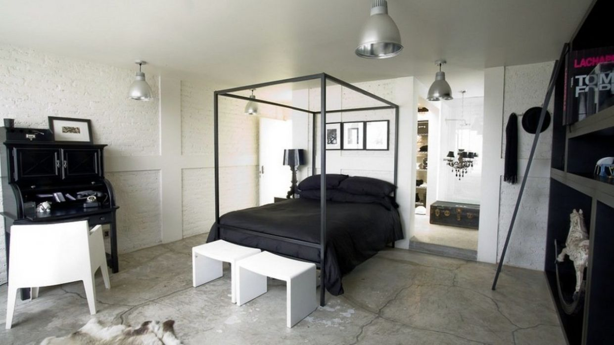 Bold, Unexpected, Mind-changing Industrial Studio Apartment Design