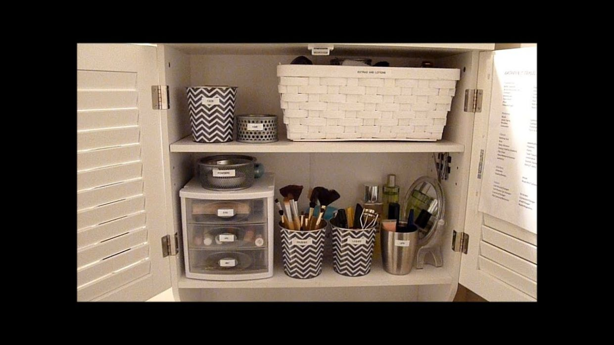 Budget Makeup Organization: How to organize your bathroom