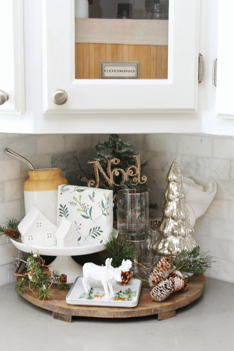Christmas Kitchen Decorating Ideas | Christmas kitchen, Decor ..