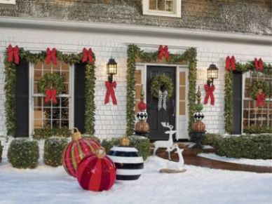 Christmas Porch Decorations: 9 Holly Jolly Looks - Grandin Road Blog - front porch decor christmas