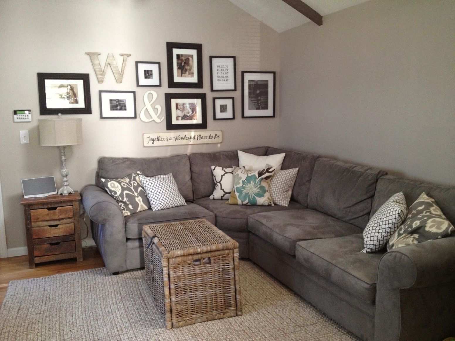 Couch, gallery wall and decor   Living room remodel, Living room ..