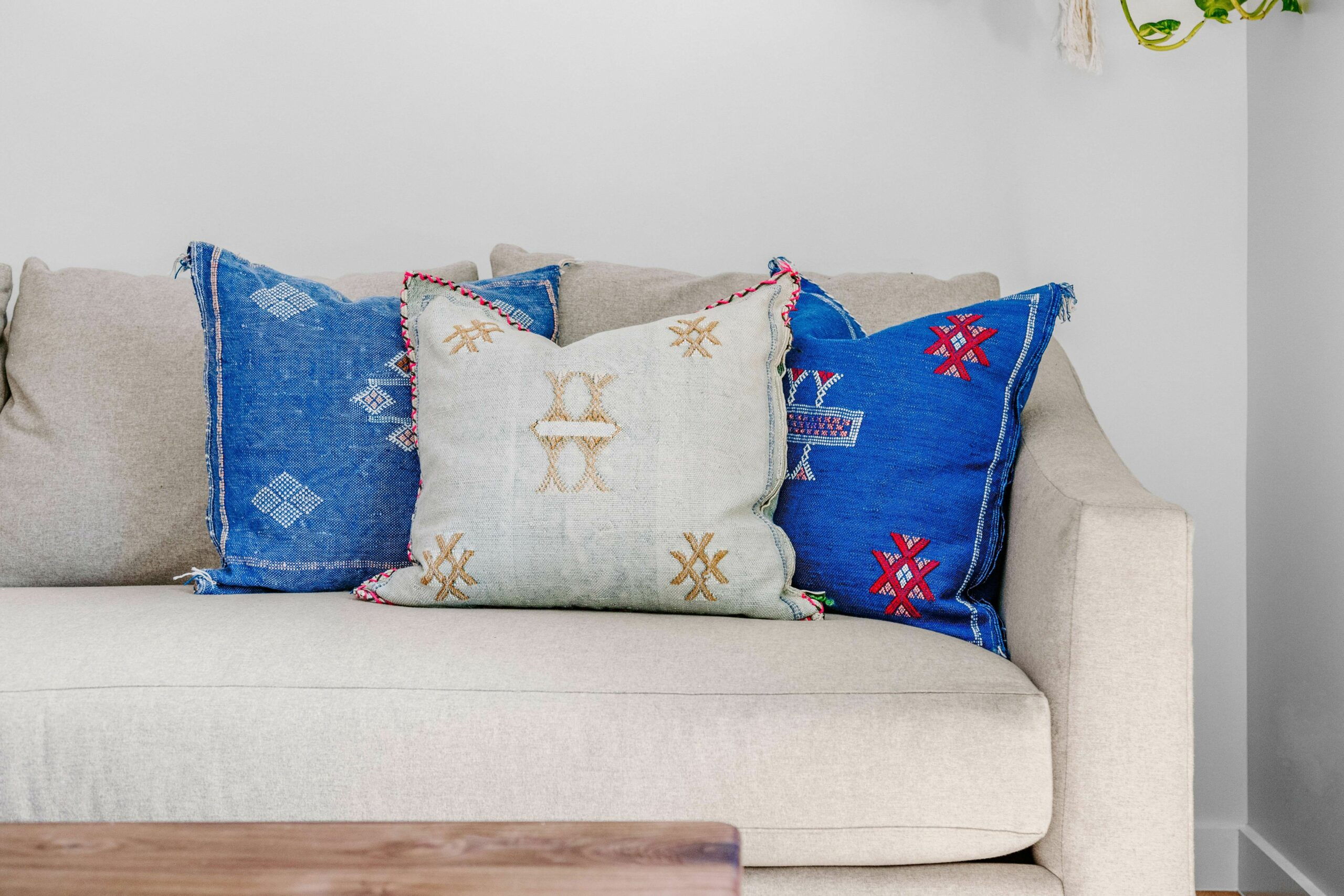 Cushion Covers: Budget home decor- Vibrant cushion covers that ...