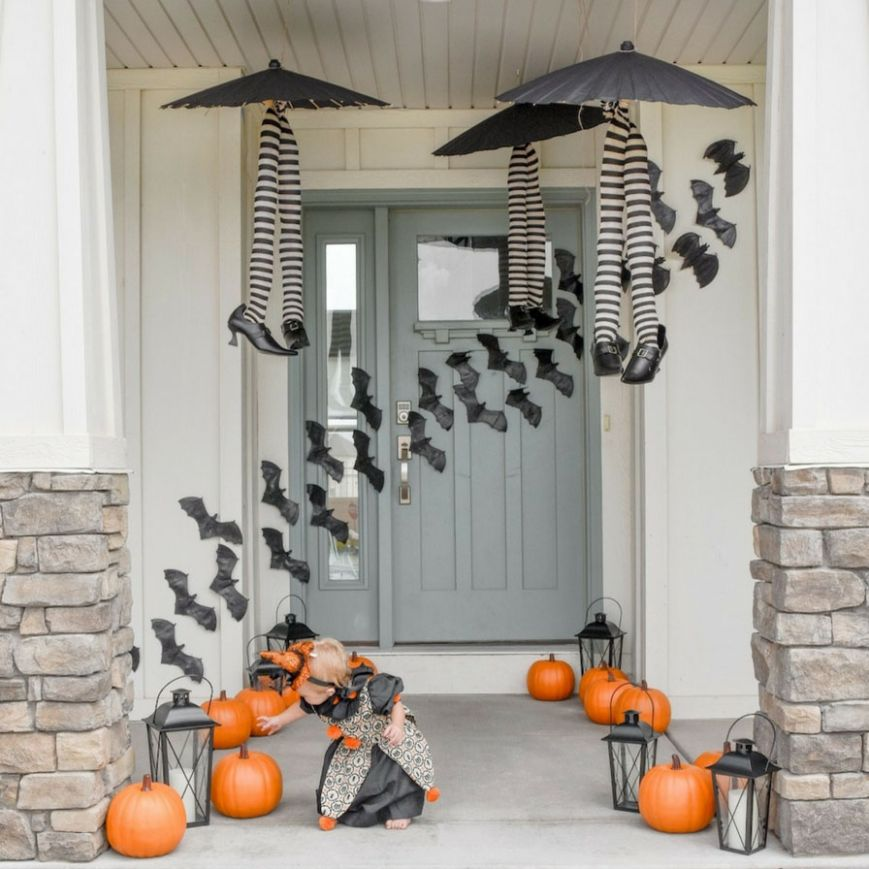 Cutesy Halloween Front Porch Ideas | Fun10