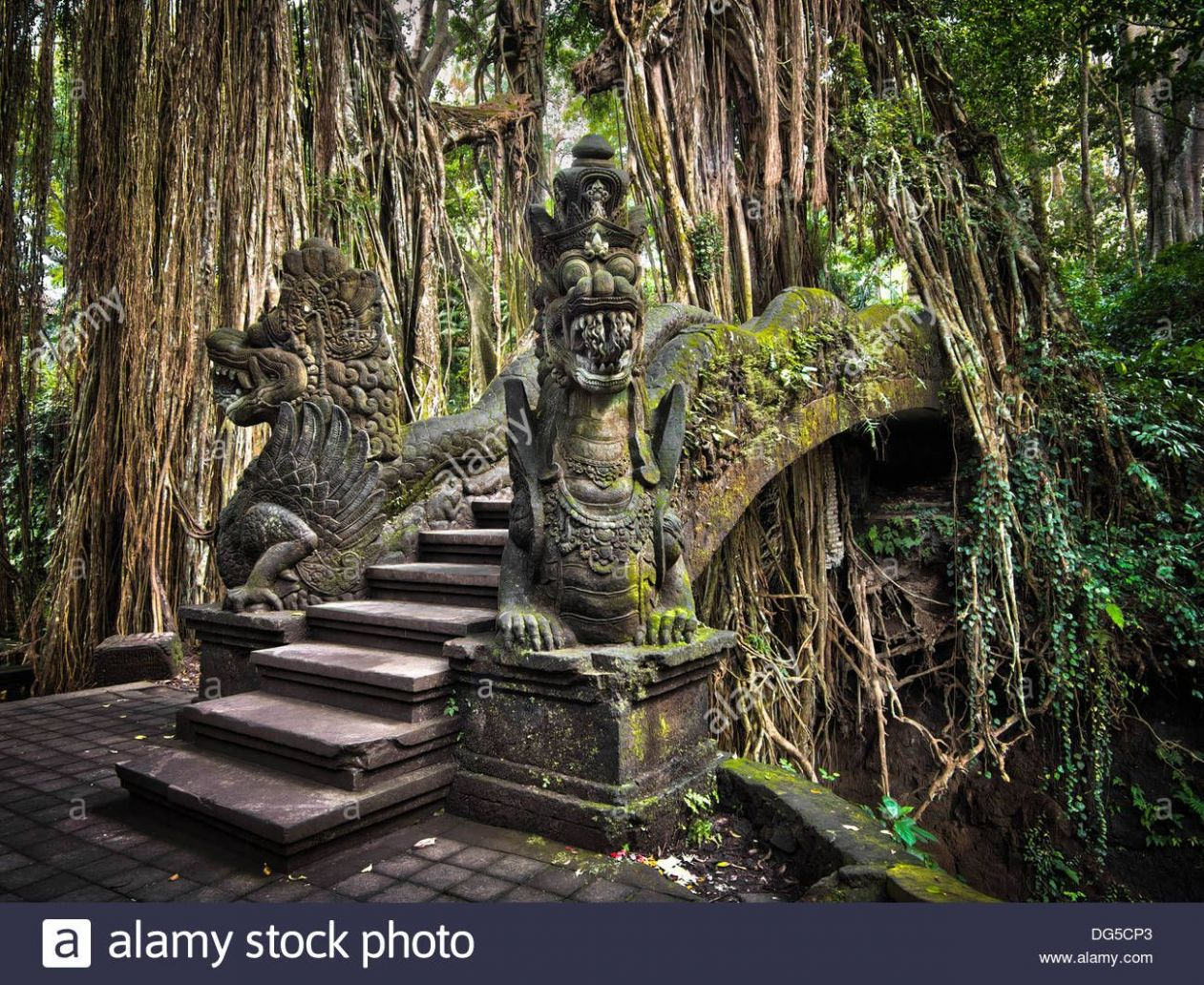 Dekoration Dragon Bridge At Monkey Forest Ubud Art Print Home ..