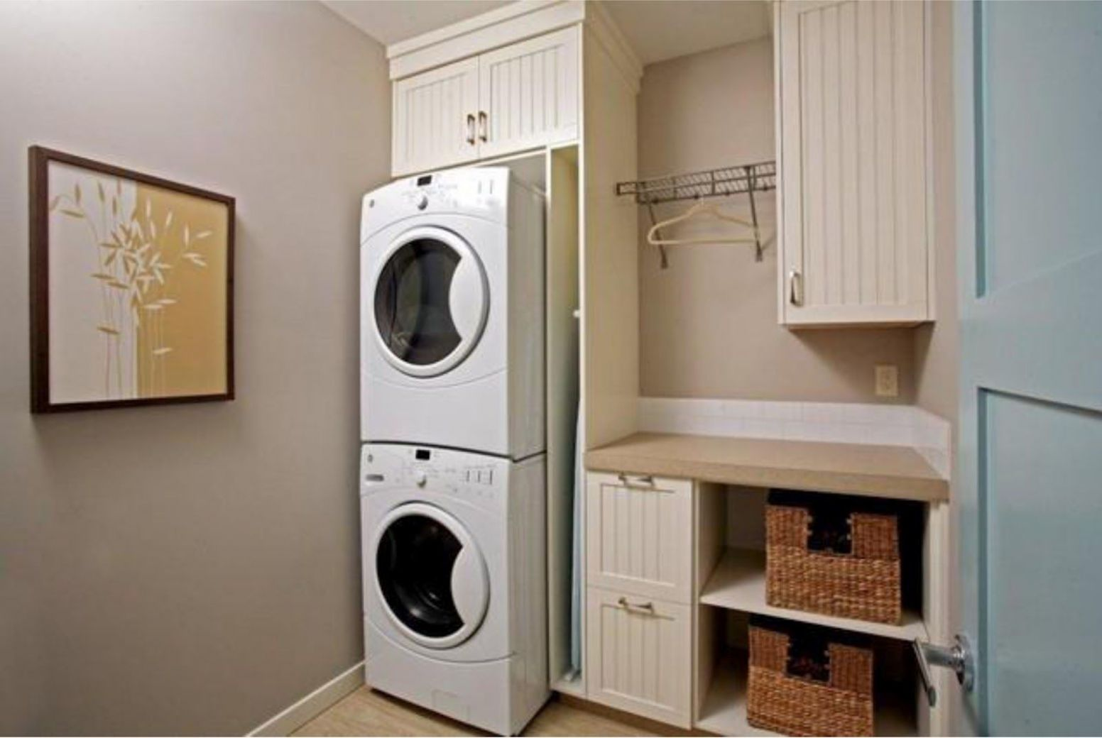 Designer's Touch: 12 Tidy Laundry Rooms | Laundry room remodel ...