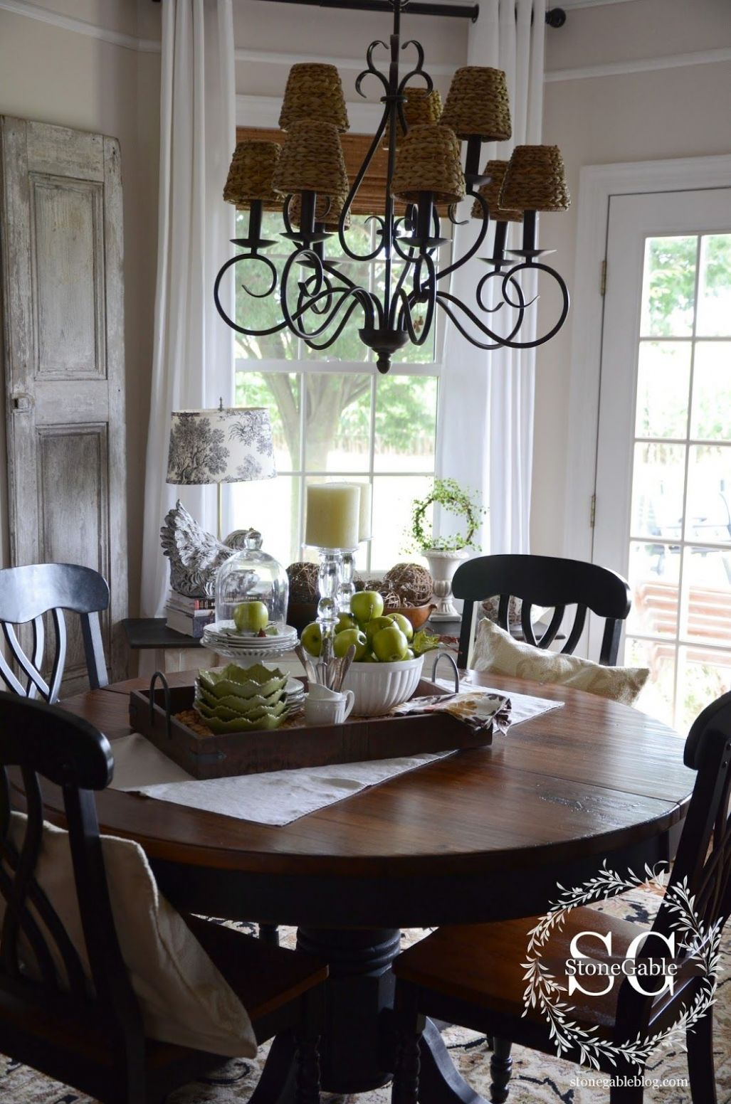 Dining Table Decor for an Everyday Look | Dining room table ...