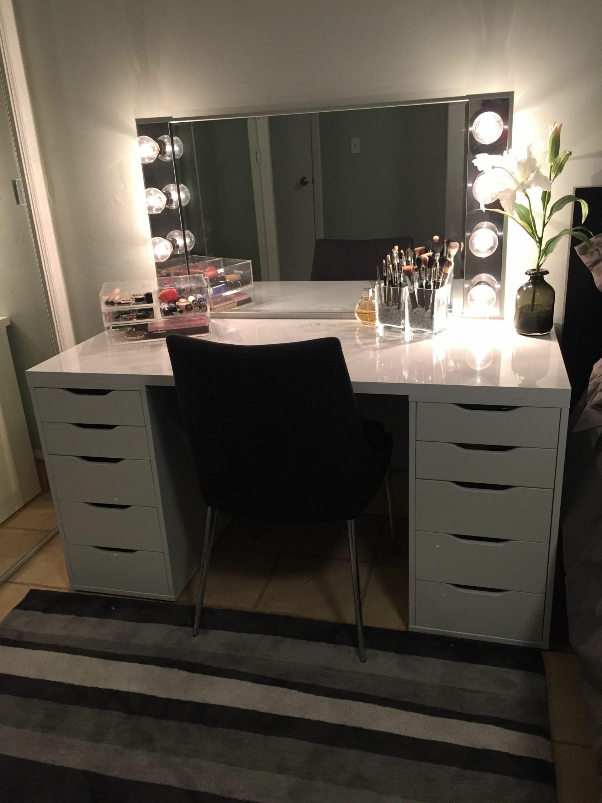 DIY makeup vanity. IKEA Alex drawers with a glossy laminate top ..