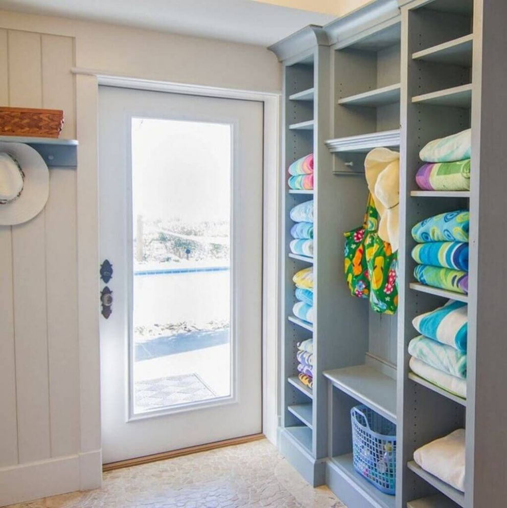 DIY Mudroom Organization Ideas 11 (With images) | Pool house decor ..