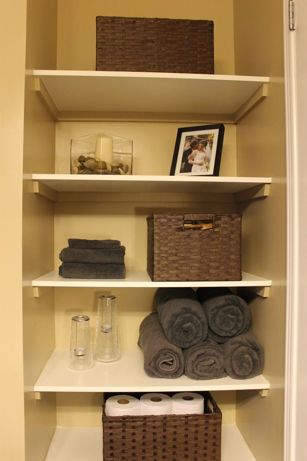 DIY: Organizing Open Shelving in a Bathroom | Small bathroom ...