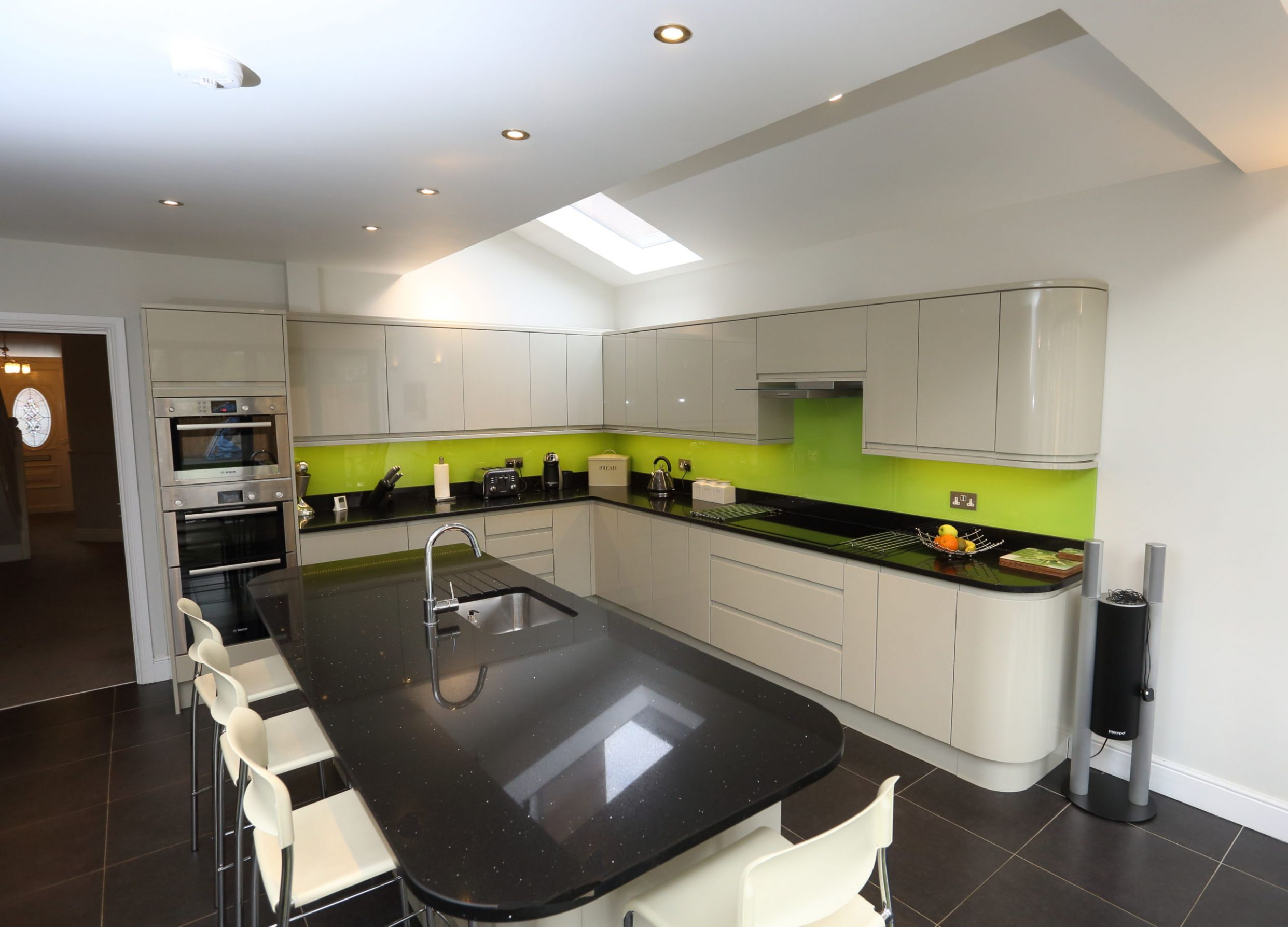 Do I Have Room for a Kitchen Island? | London Building Renovation - kitchen ideas 5m x 3m