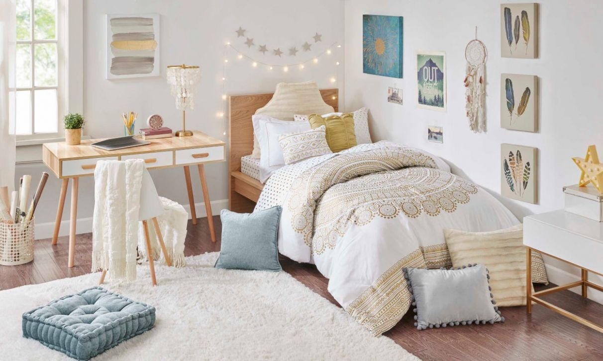 Dorm Decorating Ideas to Match Your Style Personality | Overstock.com