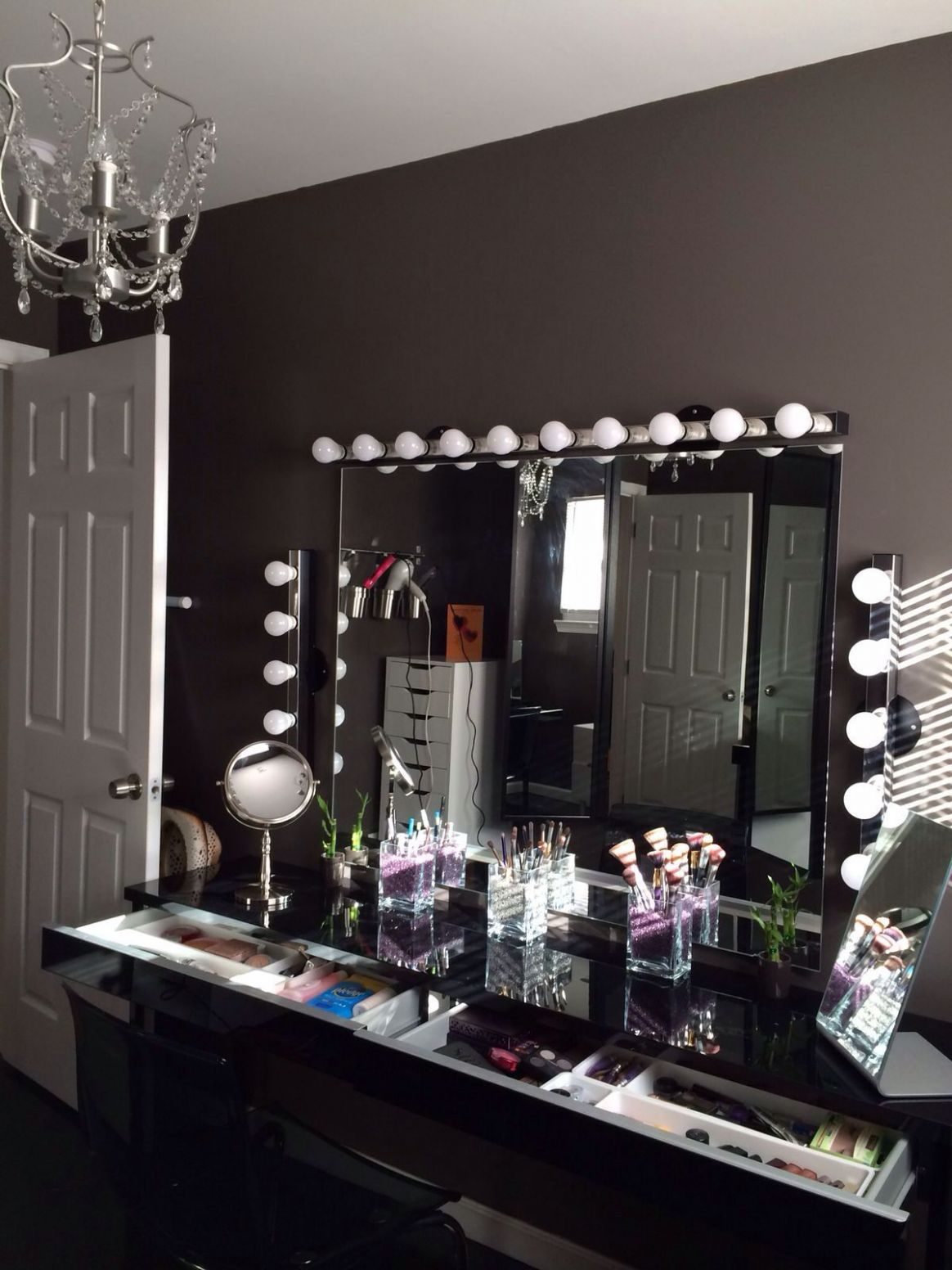 DOWNLOAD The Beauty Room LOOK BOOK For GLAM Home Décor And Makeup ..