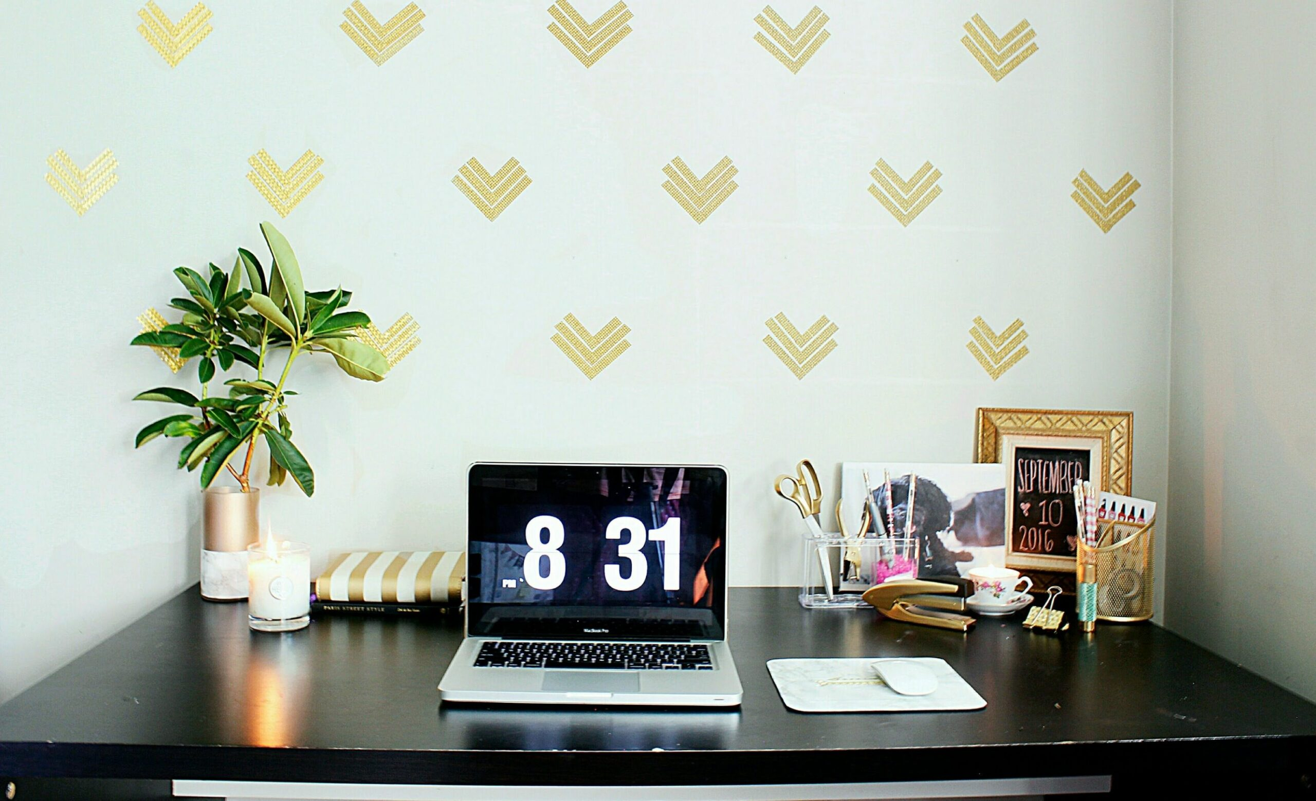 Easy Home Office Decor Ideas| $ 8 Wallpaper|GOLD GLAM ! | Home ...