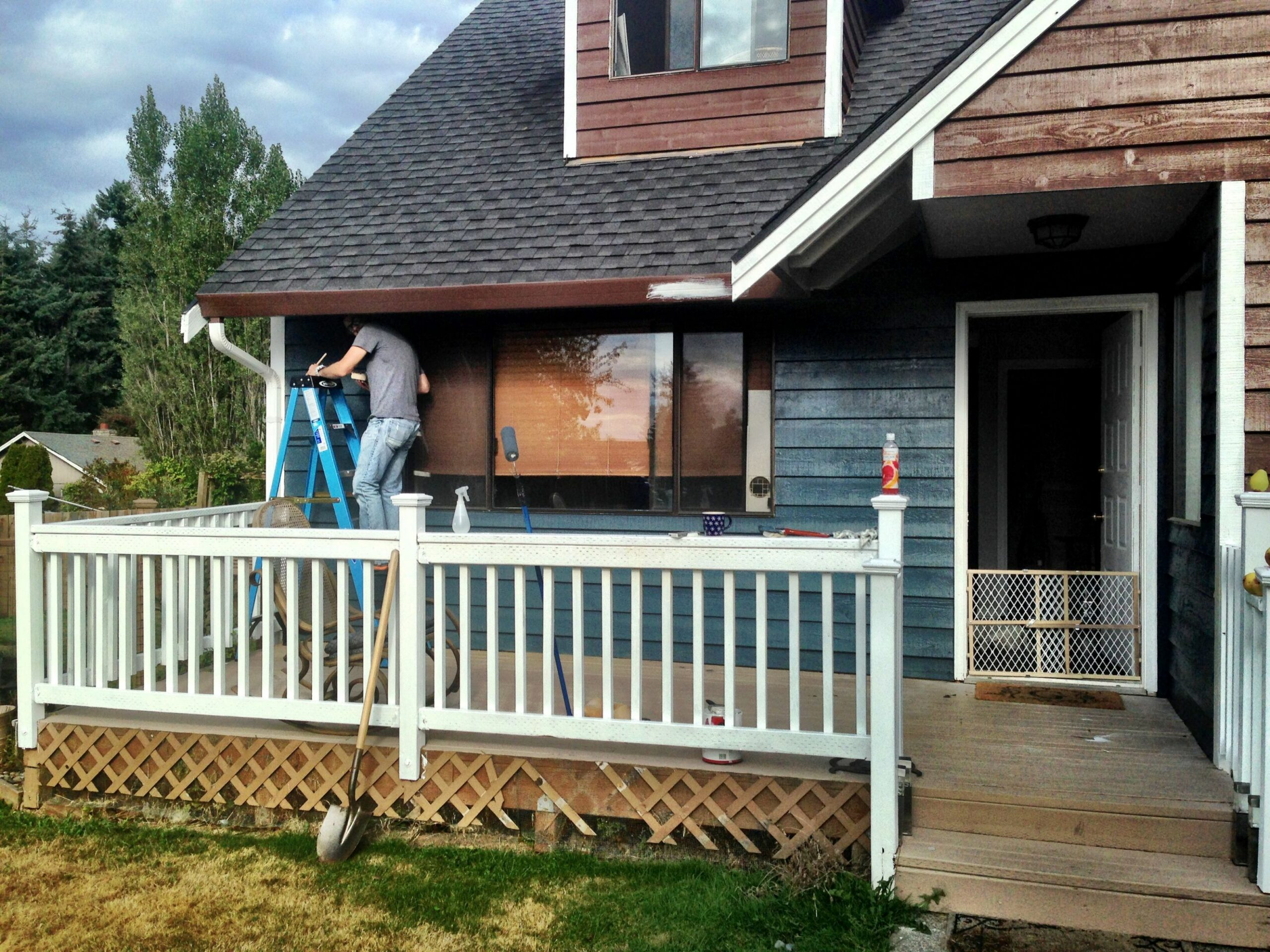 Extend the front porch with a white deck (no overhang). | House ...