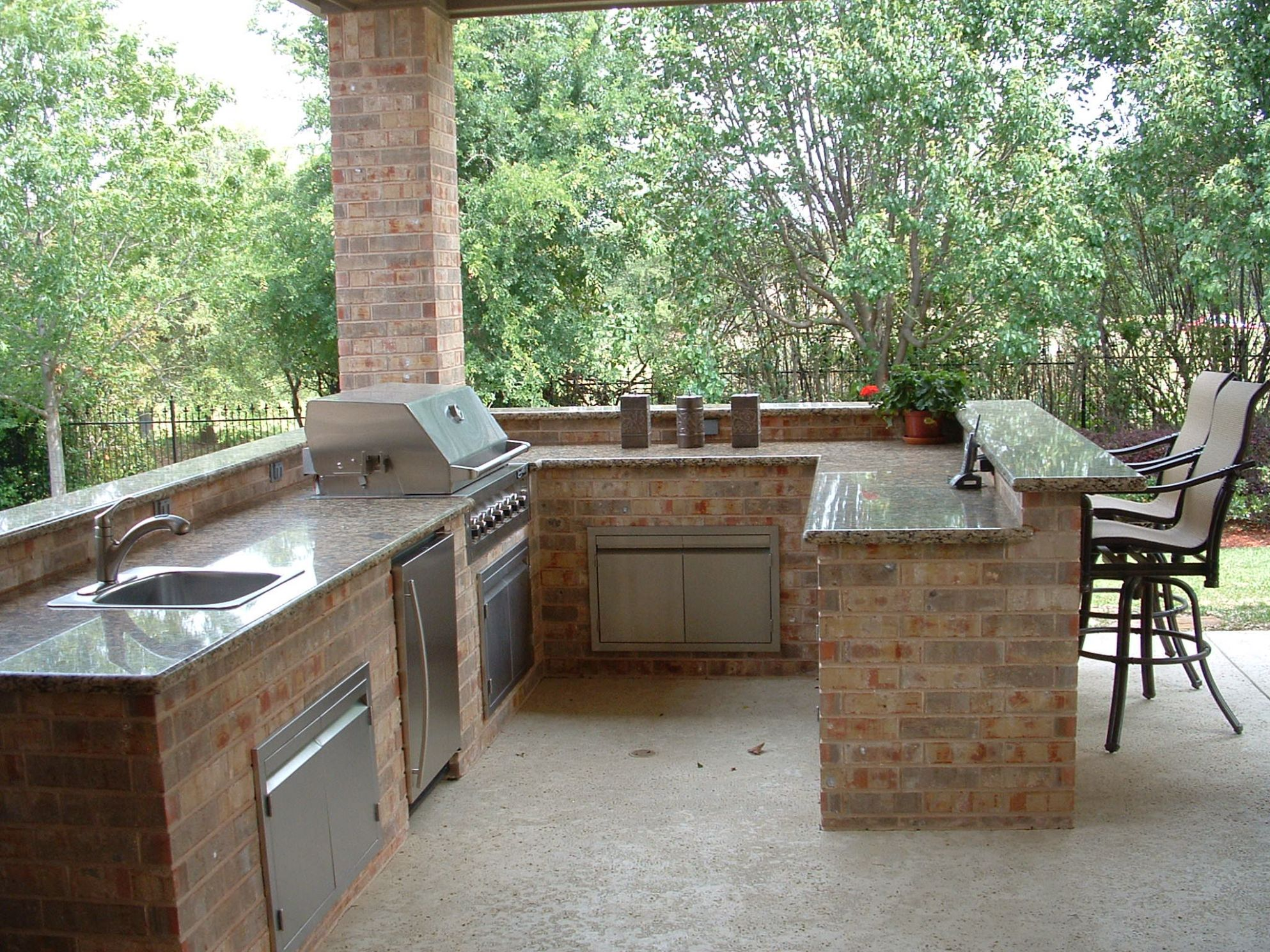 Exteriors : Kitchen Outdoor Kitchen Design Kitchens With Outdoor ...