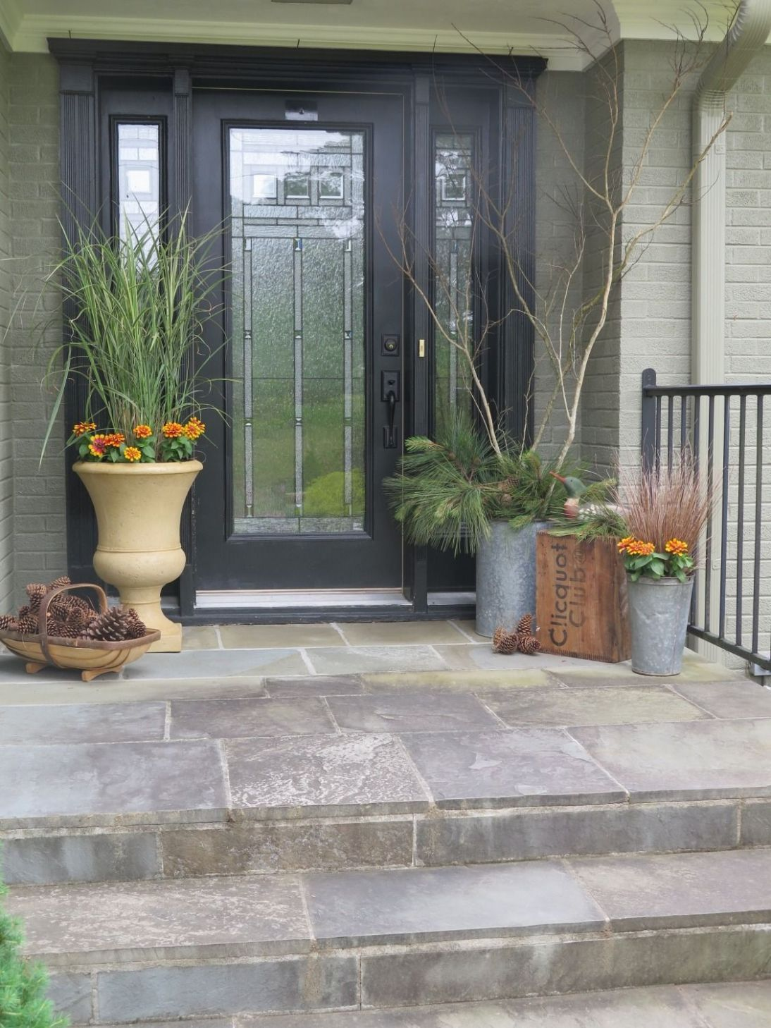 Fall Front Porch Decoration Ideas with | Modern outdoor decor ..