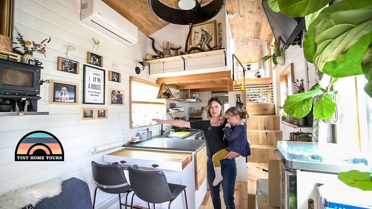 Family Of 12 Lives Tiny To Spend More Time Together - Gorgeous Tiny Home Tour - tiny house tour