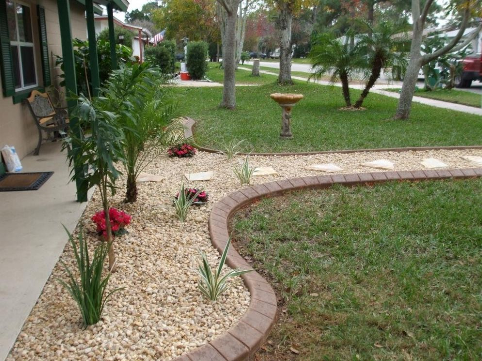 Fancy Black Rock Mulch Landscaping Ideas For Front Yard On Budget ..