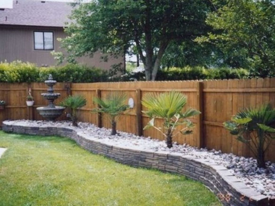 Fence Landscaping Ideas: 9+ Easy Ways to Beautify Your Backyard - garden ideas along a fence