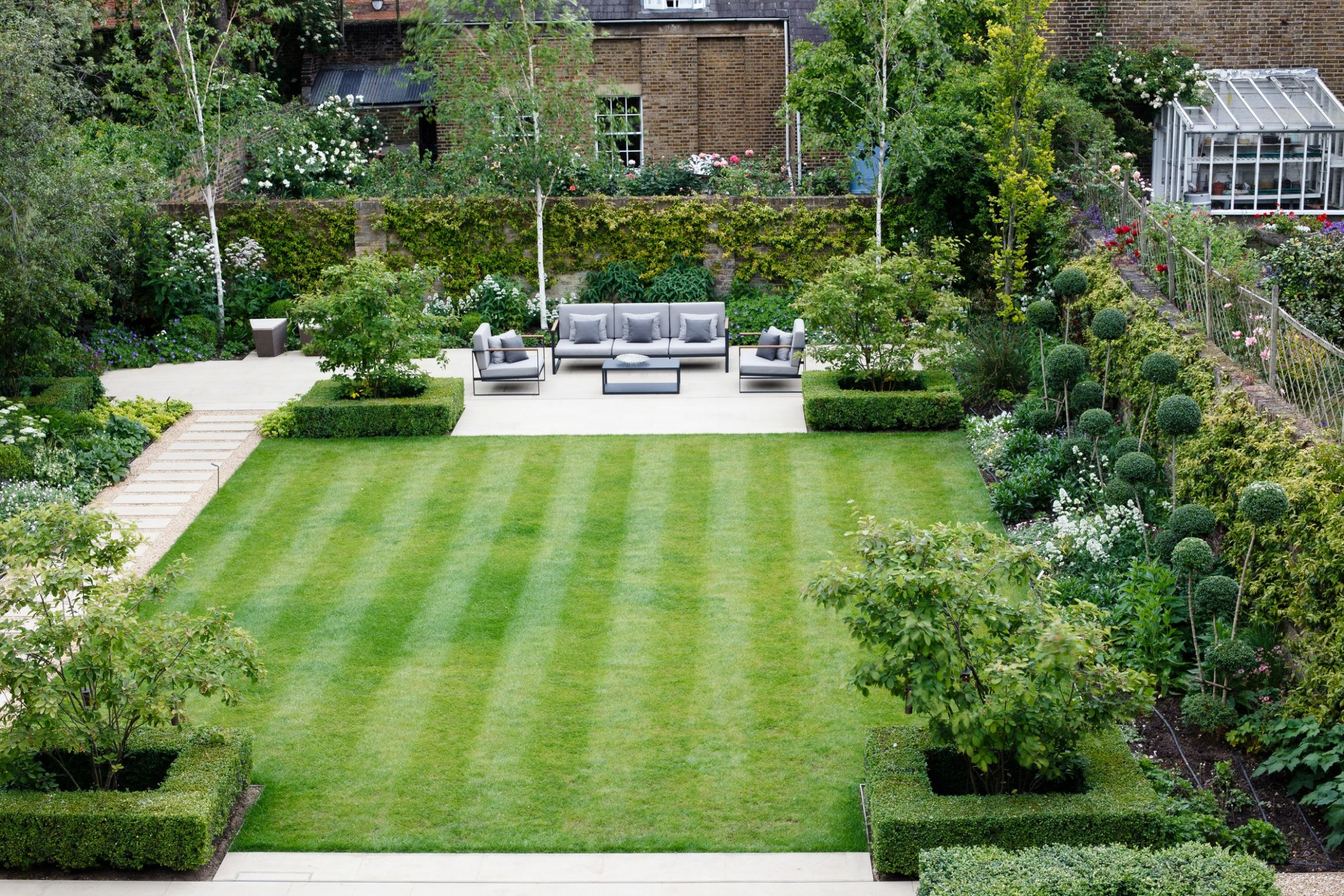 Formal Square Lawn - Randle Siddeley