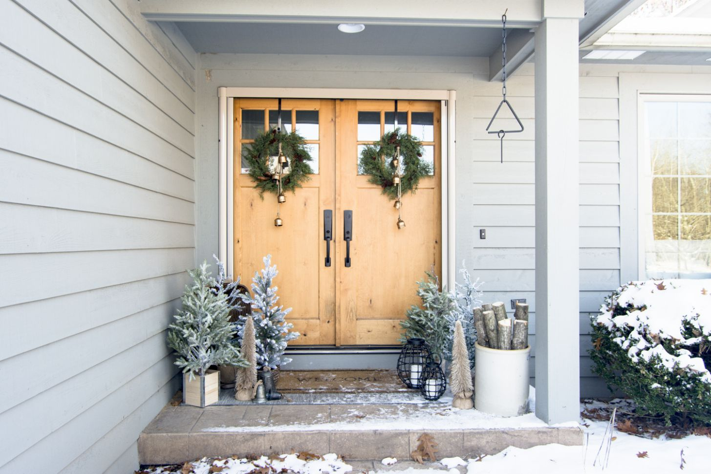 Front Porch Christmas Decorations | Tree Farm Style | Grace In My ..