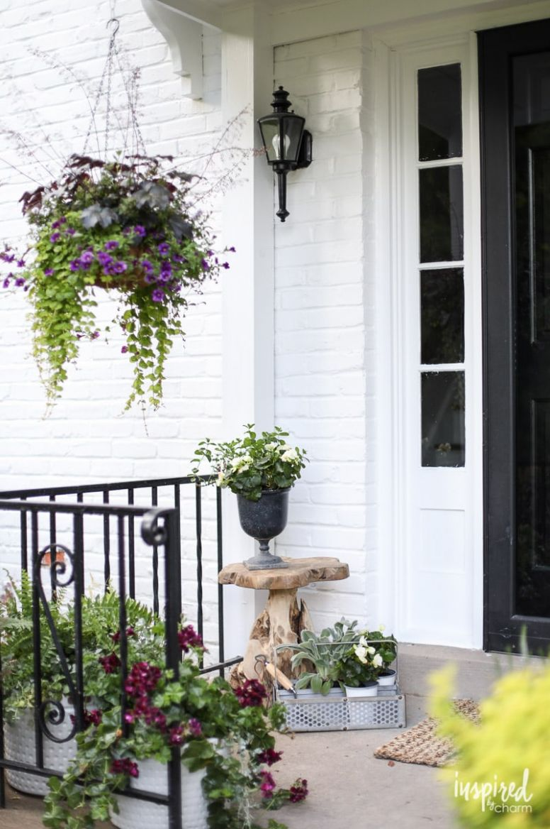 Front Porch Decorating Ideas and Outdoor Styling Tips - front porch decor lake country