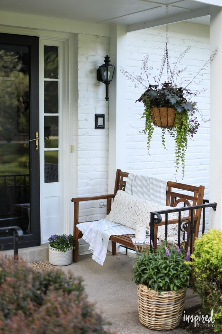 Front Porch Decorating Ideas and Outdoor Styling Tips - front porch home decor lake country