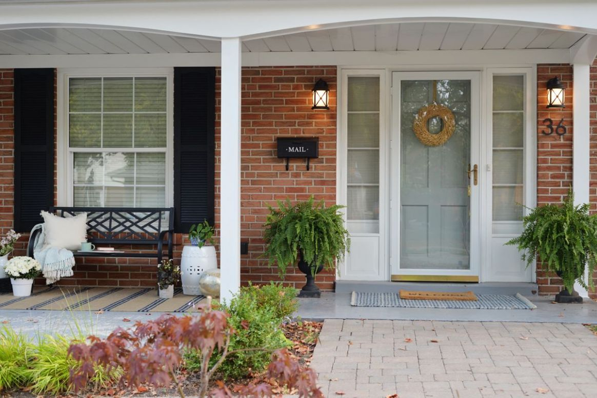 Front Porch Decorating Ideas For The Summer | Colonial house ...