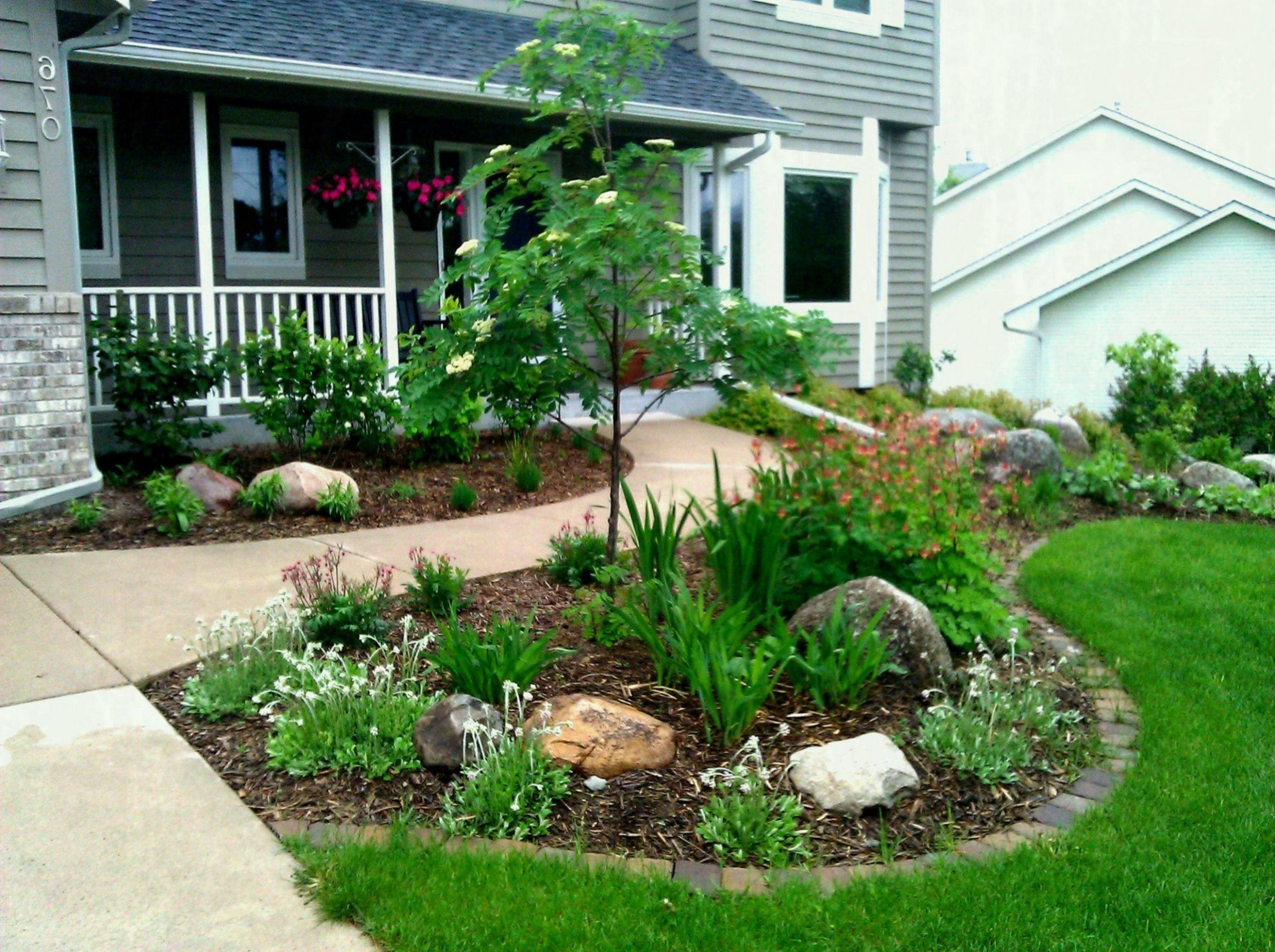 Garden Ideas Front House Stylish And Patio Small Yard Landscaping ...