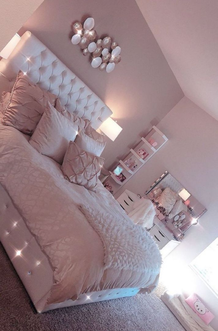 Gentle pink room decor - #Decor #LIGHT #pink #Room | Bedroom decor ...