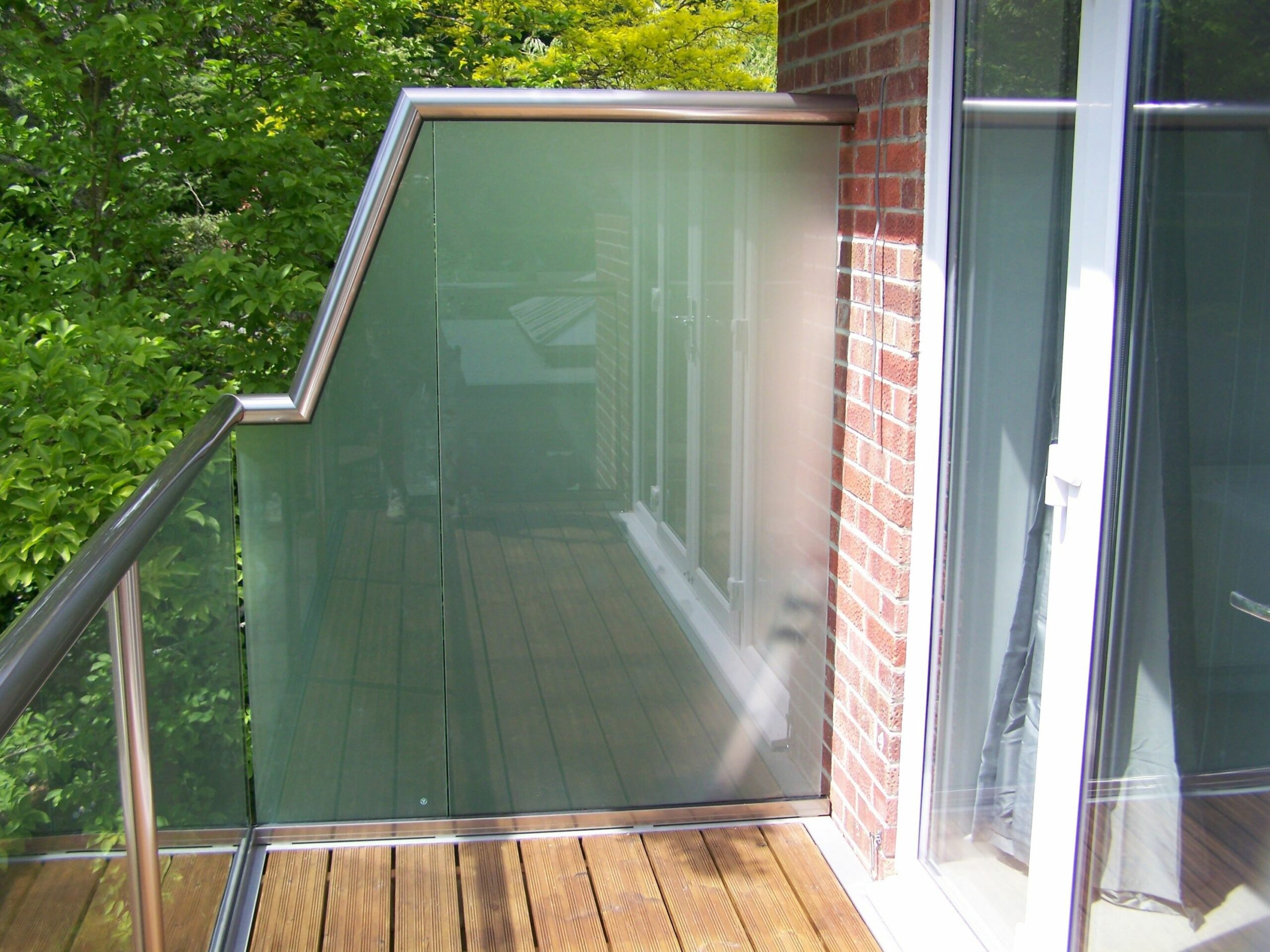 Glass Balustrade with Privacy Screen | Balcony privacy, Balcony ...