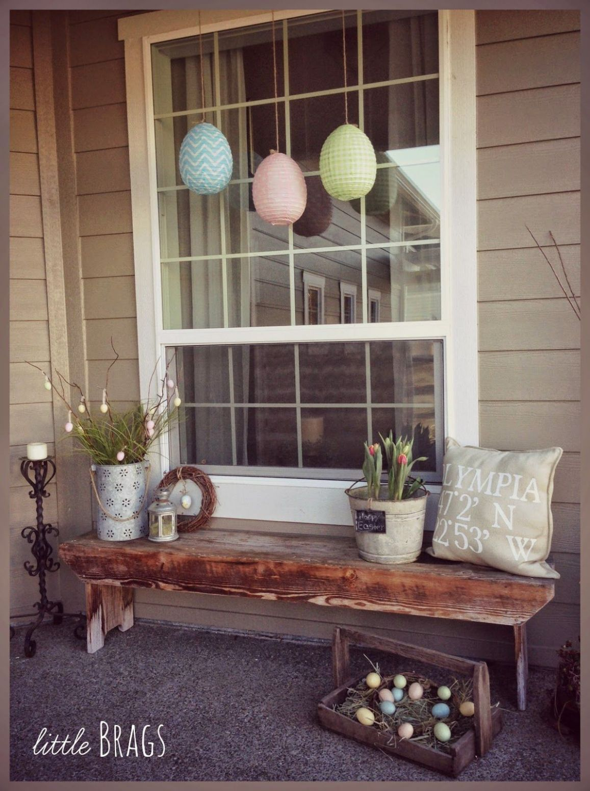 Great Ideas -- 11 Outdoor DIY Projects! | Porch decorating - front porch decor with bench