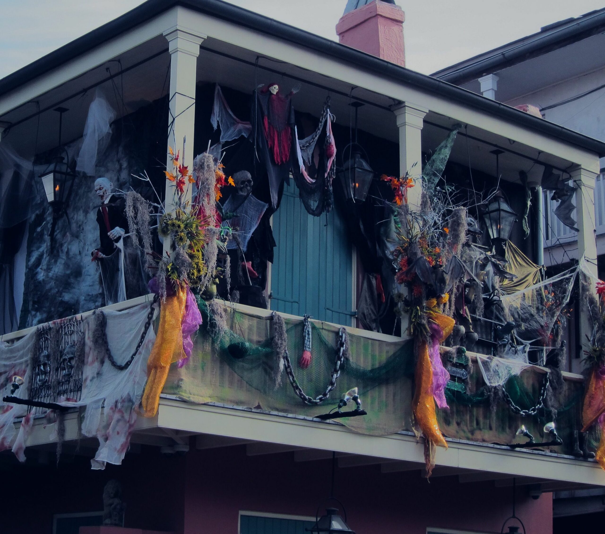 Halloween decorations, New Orleans balcony, French Quarter, props ...