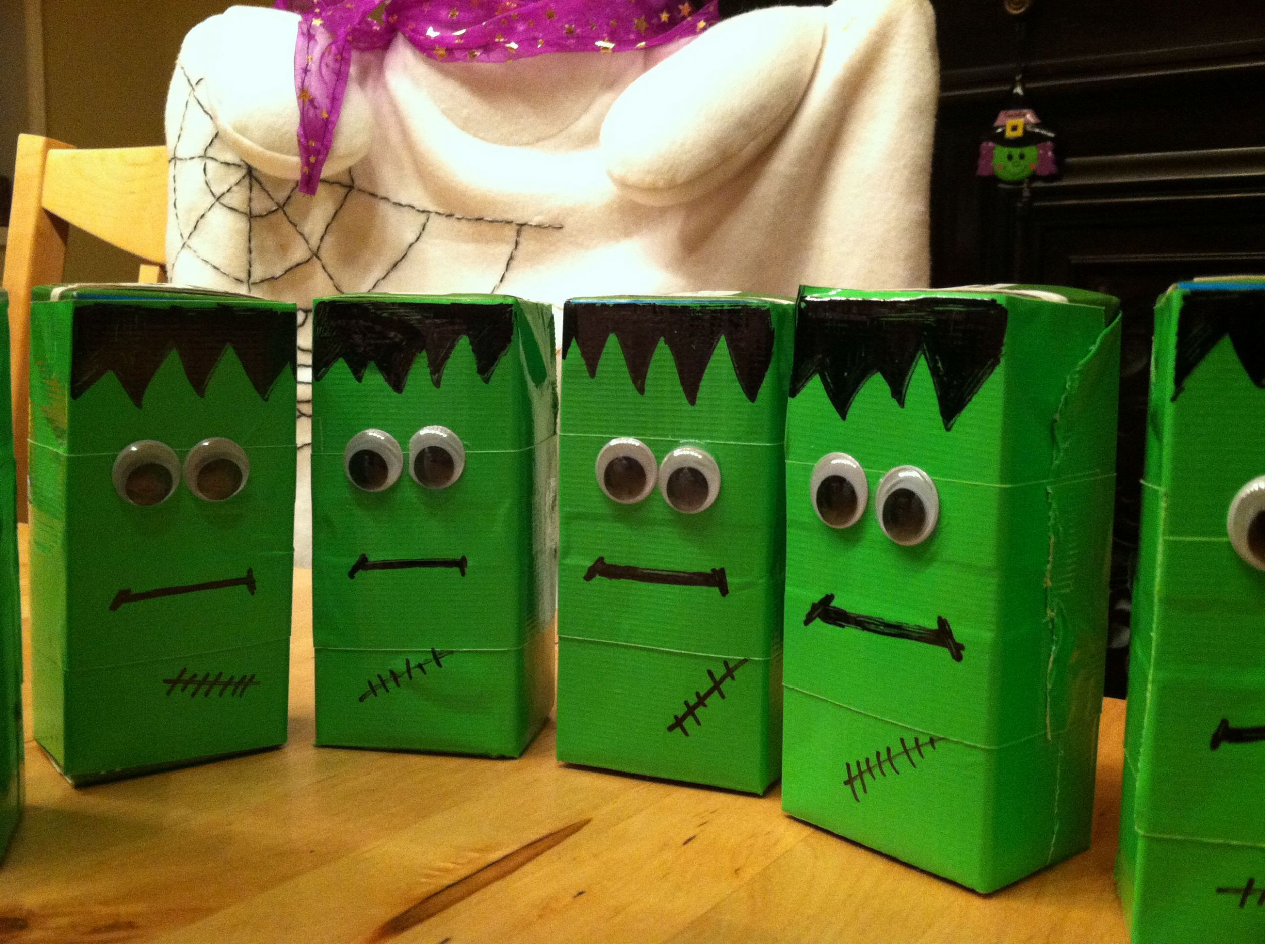 Halloween juice boxes | School halloween party, Halloween ..