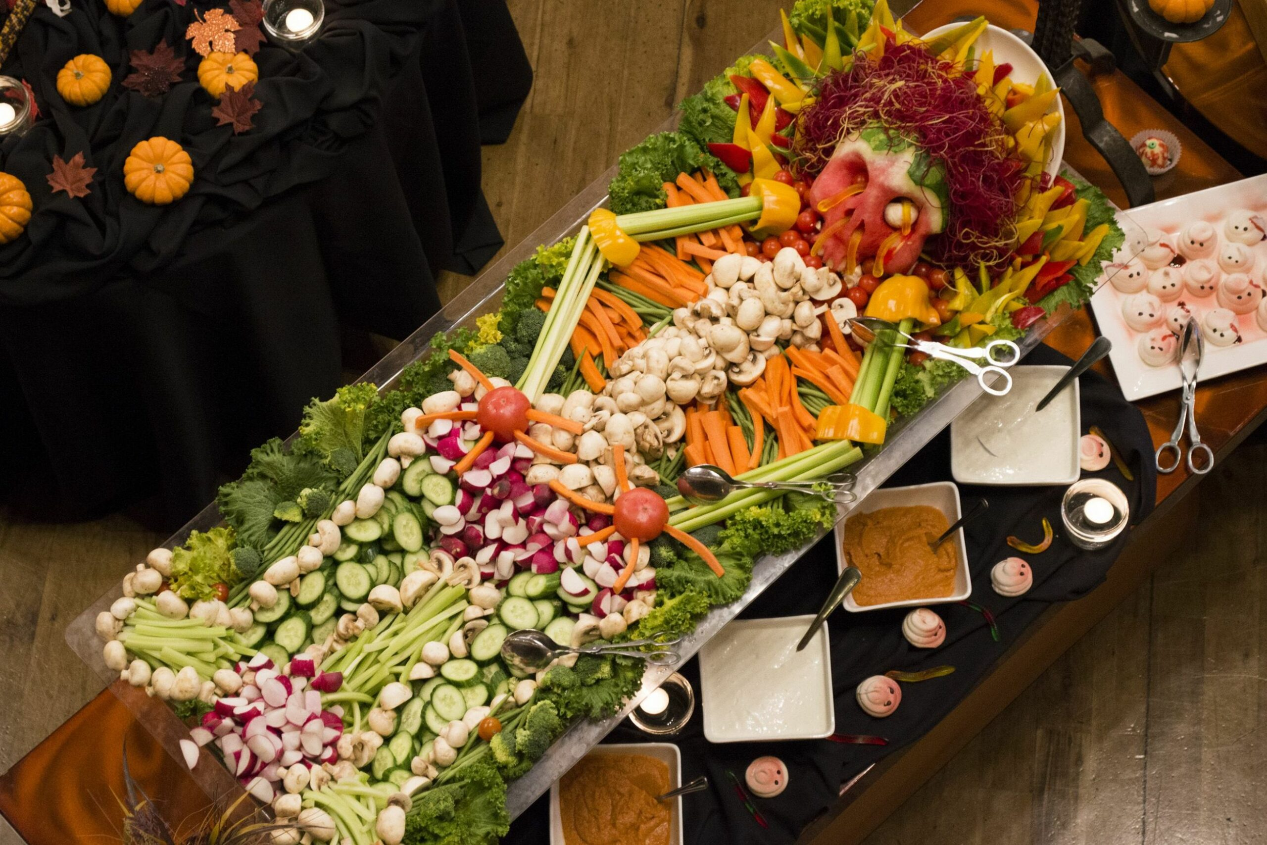 Halloween #Party #Idea for #Veggie Tray Skeleton by Sunriver ..