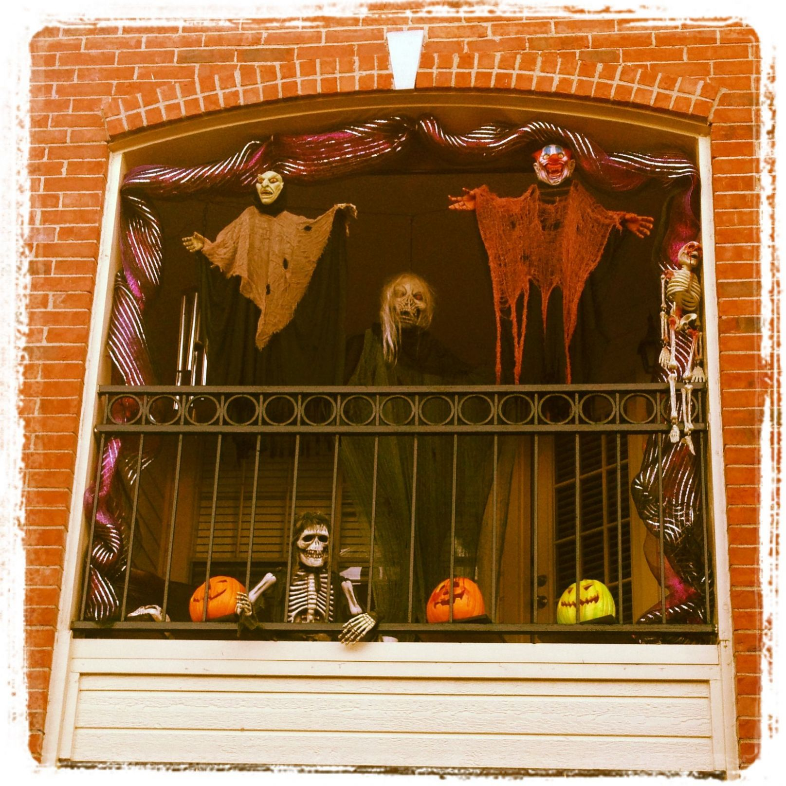Halloween time on the balcony! | Halloween decorations apartment ..