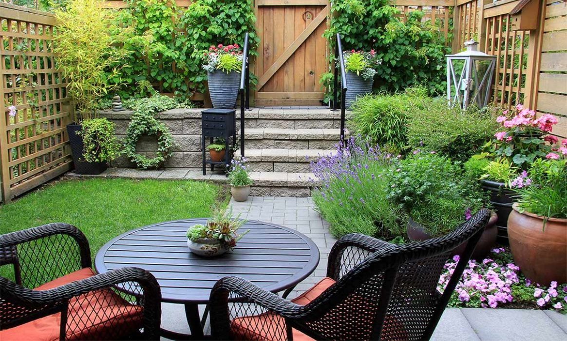 Heatwave incoming! 12 small garden ideas for a beautiful outdoor ...