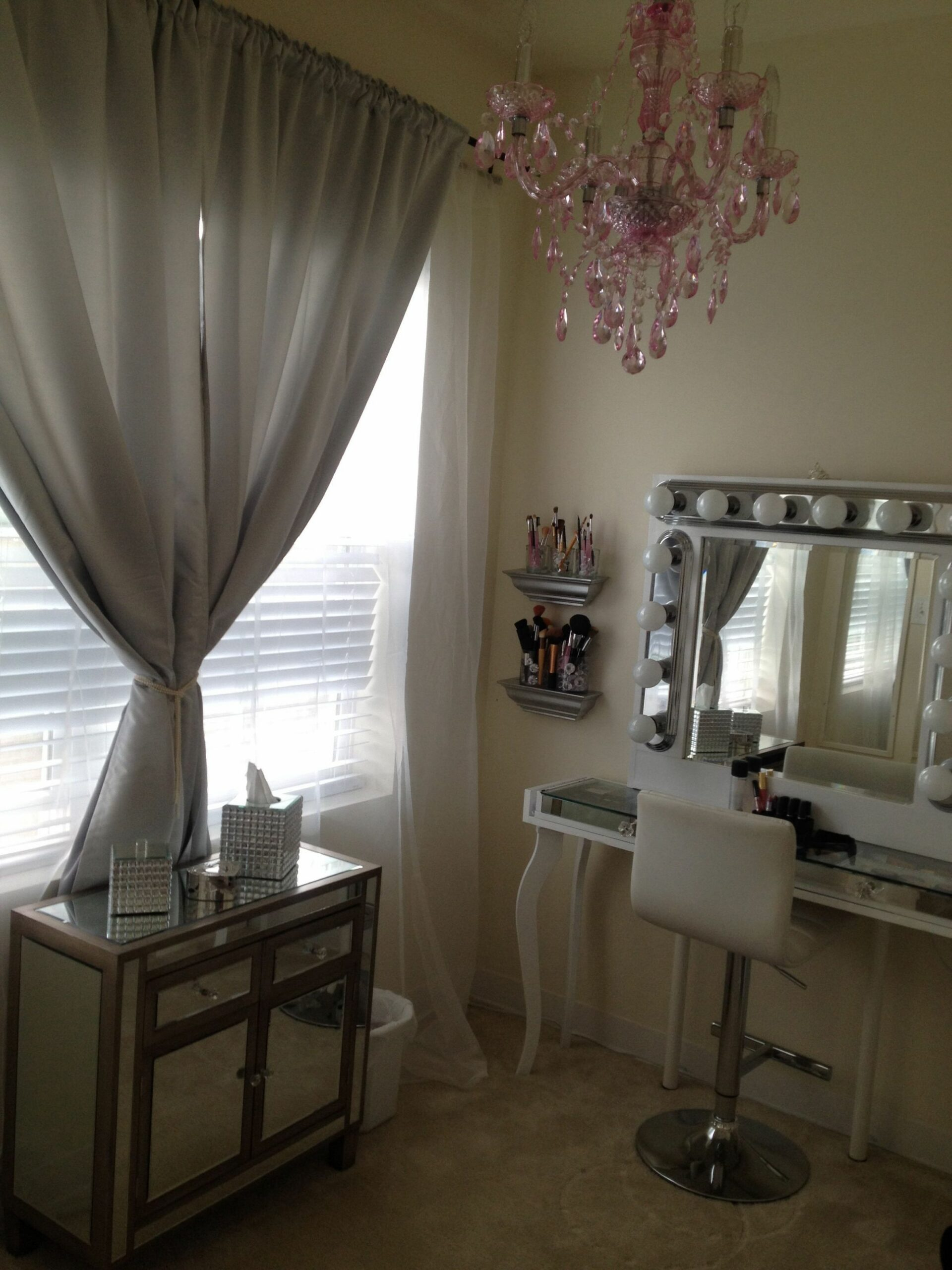 hollywood chic Glam vanity table Pink chandelier silver sheer ..