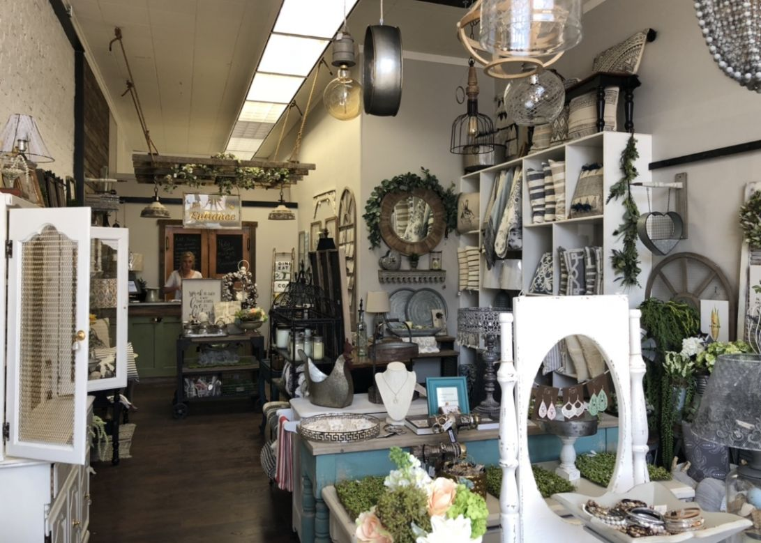 Home décor store arrives in downtown Yakima - YakTriNews